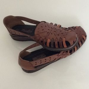 Leather Sandals by Passofino Brazil Size 8